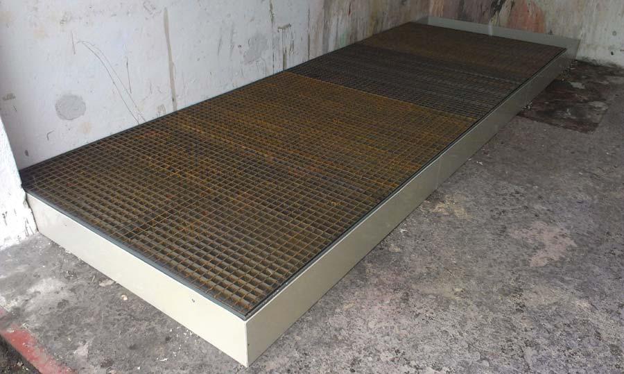 Záchytná vana s ocelovým roštem