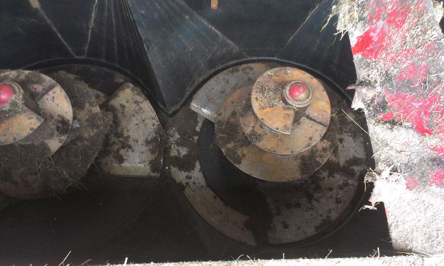 vyplastování míchací nádrže před opravou